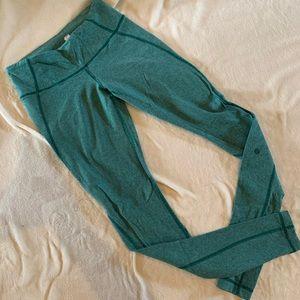 "EUC sz6 Lululemon 28"" leggings"